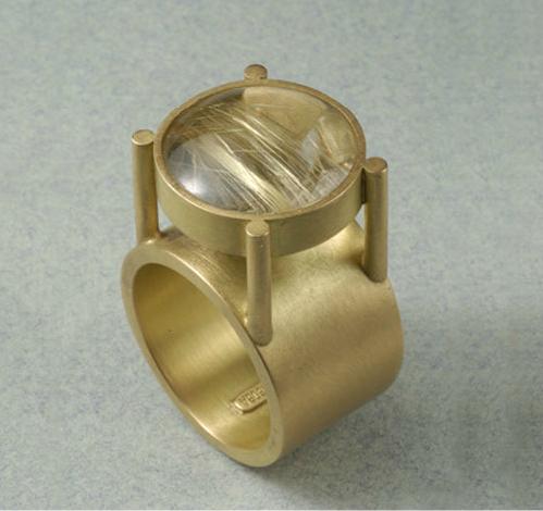 Anillo oro 750 cabujón cuarzo rutilado