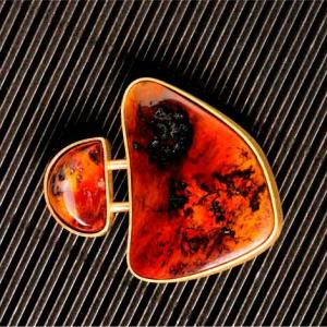 Broche dos opalos cereza y oro